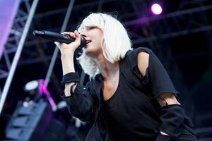 Veronica Maggio på Gatufesten 2011.