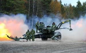 S-kvinnor i Dalarna kommer att fortsätta arbetet för minskad krigsmaterielexport och ett bättre folkförsvar. foto: scanpix