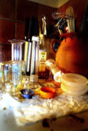 Flaskor och nappar på tork.