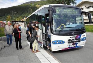 Länstrafiken har dragit in Årependeln vilket ställer till det rejält för arbetspendlare till Järpen, Åre och Duved. Eftermiddagsbussarna som finns kvar är inget alternativ, de är närmast till för skolungdomar.