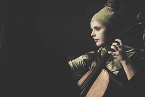 Mimmi Ingelman Åslund, cello.