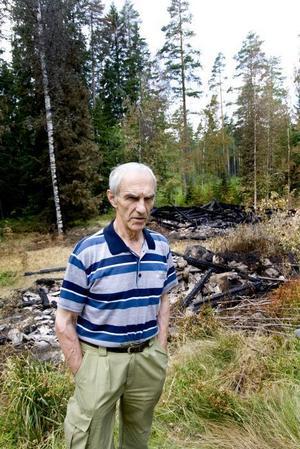 """skärrad. Sven-Erik Zakrisson har förlorat sitt släktarv.  """"Jag kan inte förstå vem som har gjort detta"""", säger han."""