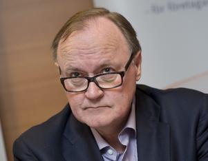 Bekymrad. Svenskt Näringslivs Urban Bäckström, som tidigare var riksbankschef, tycker att LO leker med elden.