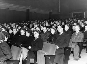 FULLSATT. Biobesökare på Roxy i Gävle 1939.