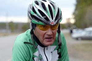 Orvar Nilsson må vara 69 år, men han fortsätter oförtrutet att sy ihop Formtoppsloppet i Hammerdal. Årets tre tävlingar körs på onsdag, 28 maj och 11 juni.