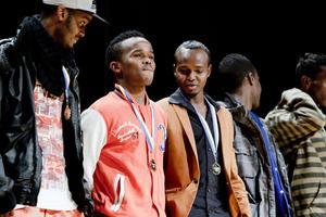 Även det somaliska fotbollslaget från Borlänge, segrare i fotbollscupen Gränslöst som avgjordes i helgen, belönades med medaljer på Aveny.