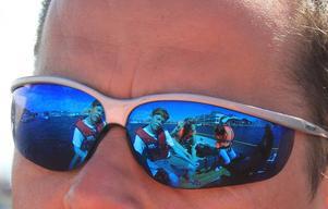 Min dotter tog denna bild på sin pappa under en båttur i Smögen.
