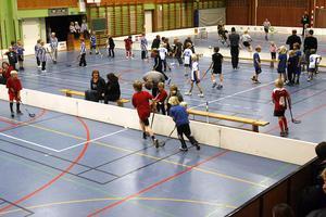 Under hela lördagen var det full fart i Ljusnes sporthall då Knatteligan spelades.