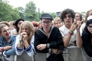Flera ungdomar väntade på Håkan Hellströms konsert hela lördagen.