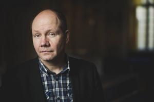 Peter Englund skriver självbiografiskt i