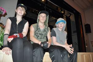 Josefina Enne, 14 år, Kevin Henesand, 15 år, och Emil Larsson, 13 år, kommer att dansa till Skrillex Rock'n roll.
