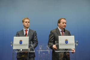 Gustav Fridolin (MP) och Stefan Löfven (S) meddelande efter den förlorade budgetomröstningen att det blir val igen 22 mars.