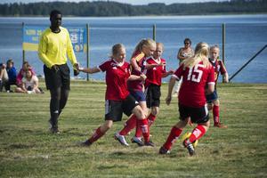 Förutom lokala lag deltar även lag från Finland och Malta.