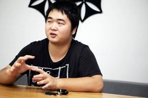 Positiv. Yifu Xu bor i studentlägenheterna vid Högskolan. Han kan tänka sig tre terminer per läsår, men vill ha så pass långt sommarlov att han kan besöka sin familj i Kina.
