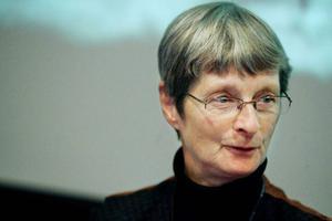 – Vi tror att en del kvinnor varit anställda eller ofria. Belastningsskador och dåliga ryggar är vanliga, säger professor Elisabeth Iregren.