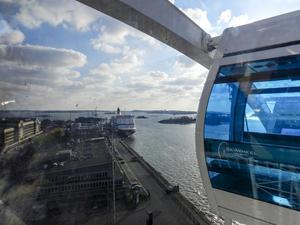 Skysauna  med en fantastisk utsikt över Helsingfors och finska viken.