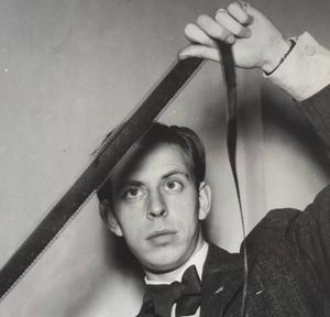 Rune Lindström. Himlspelet blev också film. Vald till 1942 års mestpopulära svenskafilm.