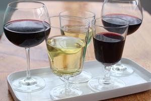 För att främja folkhälsan höjs alkoholskatten från och med 1 januari.
