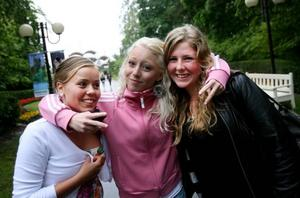 Sara Sundberg, Maja Jonsson och Maria Wedin-Jonsson åkte med bussen från Hedesunda och såg fram emot kvällens disko.