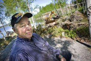 Nu får även hundarna bada i Ångersjön. Tanken har funnits ända sedan byalaget började planera för rastplatsen, berättar Lars Persson.