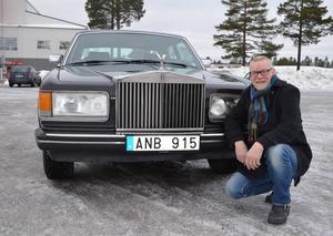 Rolf Sjödin har startat en unik verksamhet. Han hyr ut en Rolls-Royce till intresserade.