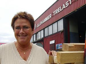 Morakulla norsk byggherre. Karin Budh från Mora flyttade till sin man Arne Brukstuen i bröjan på 1990-talet. Nu driver paret en stor byggfirma, Lillehammer trelast med sju anställda.