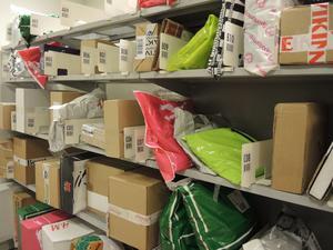 Paketutlämning av varor som har köpts via nätet. Vansbro är bäst i landet när det gäller nystartade e-handelsföretag 2016.