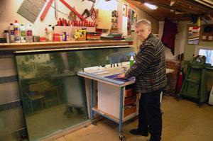 Hans-Ola Berglund blir egen småföretagare hemma på gården i Gevåg. Foto: Ingvar Ericsson