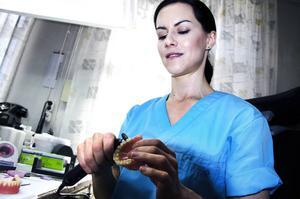 Martina Haas jobbar som tandtekniker i Sundsvall.