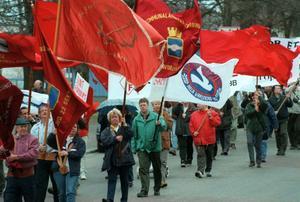 Socialdemokraterna backar i opinionen, men lokalt tror man på en vändning.