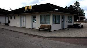 Likt en spökstad. På söndagsmorgonen var Taxihuset i Rättvik övergivet.