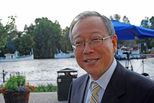 Japanska ambassadören i Stockholm - Yoshiki Watanabe - är mycket förtjust i Leksand och ser framemot att följa vänortssamarbetet även i framtiden.
