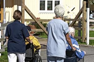 Allt färre äldre får plats på boenden runt om i landet.