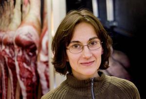 Utställningen visas i samarbete med Djurens Rätt i Gävle-Sandviken där Veronika Theodoridoy är ordförande. Syftet är att allmänheten ska få veta hur det ser ut på svenska slakterier.