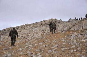 Här är syriska soldater på väg mot striden om det antika Palmyra.
