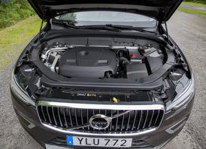 Bensinmotorn (T5) på 245 hästkrafter har mycket kraft. Men bränsleförbrukningen är på tok för hög. Testbilen drog 62 procent mer än vad Volvo uppger i sin deklaration.