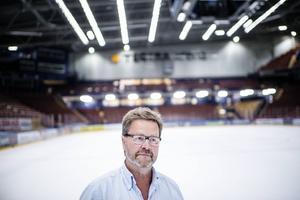 Åke Norström, ordförande i Leksands IF AB, konstaterar att det inte finns pengar i kassan till fler förstärkningar – och att det krävs extern hjälp.