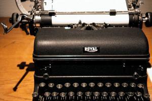 Hans Lidmans skrivmaskin finns bevarad i Edsbyns museum.