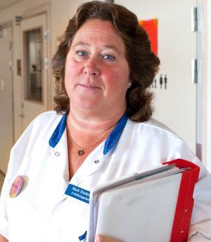 Marie Rinderud, avdelningschef på kirurgen, menar att det behövs fler vårdplatser för att kunna garantera en trygg vård för patienterna.