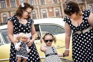 Ett av priserna handlar om att klä sig så att utstyrseln harmonierar och matchar med bilen och dess årsmodell.