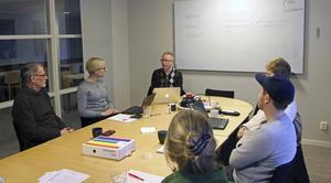 Verksamheten Kulturutveckling utbildas av Alex Fridunger från RFSL.