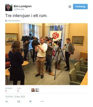 Elin Lundgren (S) uppmärksammade mängden journalister på plats.