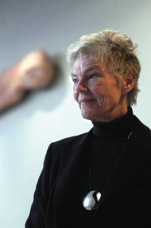 Märta Tikkanen har hela livet tänkt skriva om sin mormor. Efter texten i den svenska antologin har hon börjat med en bok om mormor Emma.Foto: Eirik Brekke