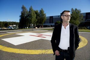 För närvarande används fem olika typer av helikoptrar inom den svenska ambulanssjukvården.
