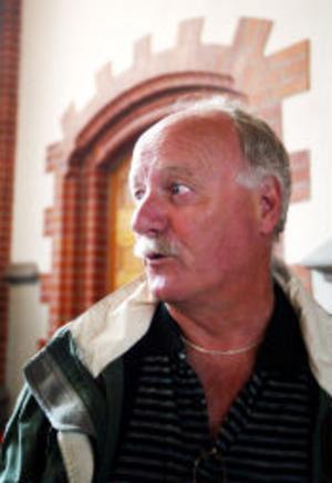 Enno Neef, turist från Alkmaar i Holland tycker att GA-kyrkan är ljus och trevlig.