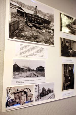 Flera artiklar och fotografier finns samlade på utställningen som berättar om järnvägens historia i Nordanstig.