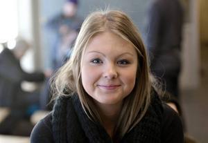 Lydia Jonsson, 15 år, Gävle– Nej, inte lärare och personal och så, men det är roligt när  det kommer andra vuxna hit  och pratar eller berättar om något.