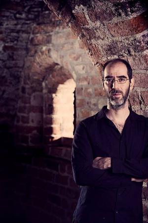 Martin Olscak baserar sin detektivgåta på en välkänd händelse i akademiens historia.
