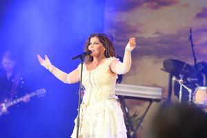 Carola sjöng för en jublande publik.