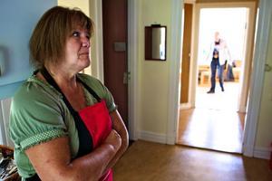Någon uppgift om hur många som är i akut hemlöshet i Dalarna, det vill säga sover utomhus eller i offentliga utrymmen, finns inte. Men i exempelvis Borlänge känner Rias föreståndare Birgitta Ekström till fyra personer som har en tillfällig bostad i källare och trappuppångar.